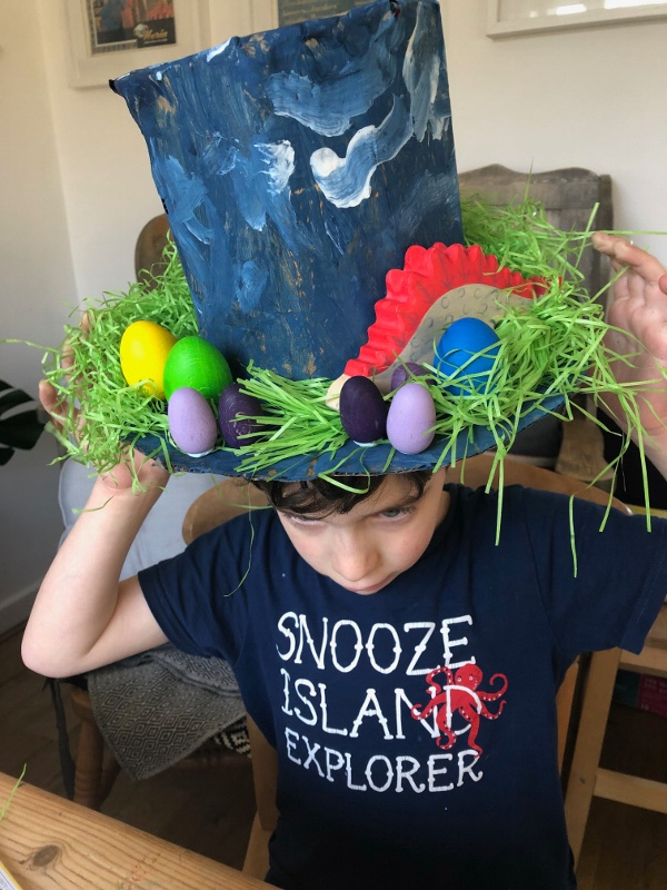 Easter bonnet decorating, a great Easter craft