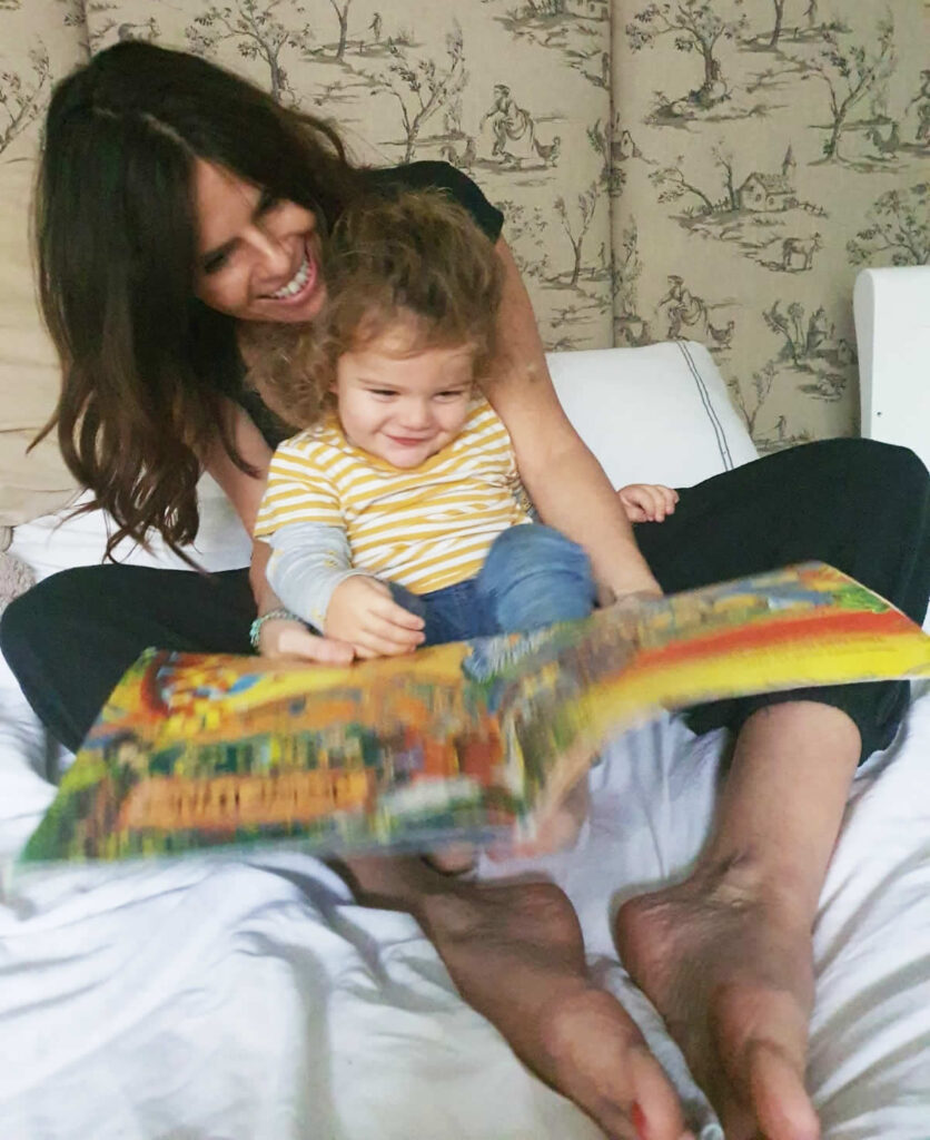 Hannah Peckham reads Conker the Chameleon with her daughter
